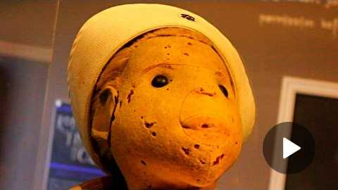 Robert The Doll - Extremely Creepy Haunted Doll