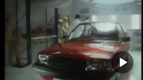 Volvo 340 commercial 1987 - Crash test dummy